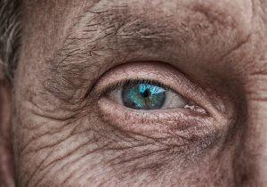 pelle del viso invecchiata